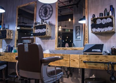 Brusko-Barbers-The-Seat